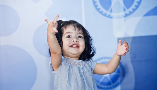 0岁玩具_0岁人口与出生人口
