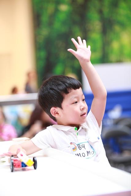 通过培养孩子的观察力发展智力(早教加盟)